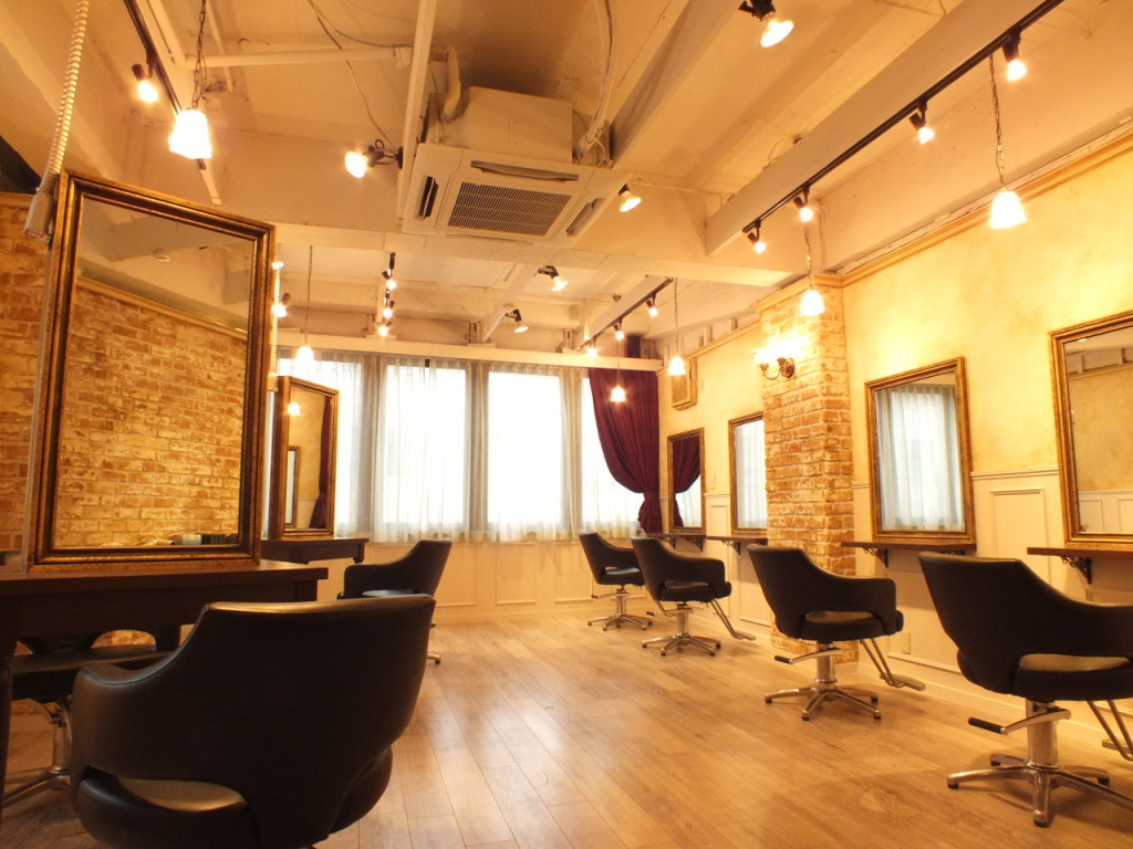 hairsalon ROOTS 船橋南口店